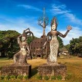 神话和宗教雕象在Wat Xieng Khuan菩萨停放 老挝 免版税库存照片