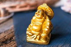 神Hotei是小雕象 免版税库存图片
