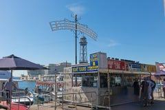 票地方Golondrinas巡航的小船的在巴塞罗那p 免版税库存照片