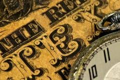 票据口袋葡萄酒手表 免版税库存图片