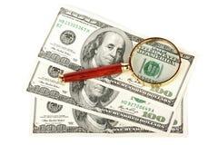 票据扩大化美元的玻璃一百下 库存图片