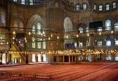祷告区域在苏丹阿哈迈德清真寺(蓝色清真寺),伊斯坦布尔 免版税库存照片