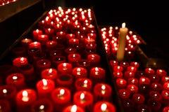 祷告的蜡烛 免版税库存图片