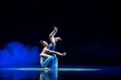 祷告身体绘画现代舞蹈 图库摄影