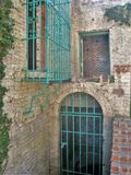 禁止的窗口和门在阿塔拉亚 免版税库存照片