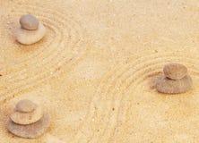 禅宗在沙子的心态概念 免版税库存照片