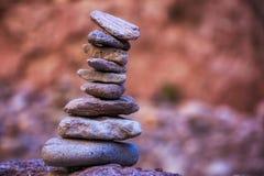 禅宗岩石平衡 免版税库存图片