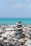 禅宗平衡的石头堆 免版税图库摄影