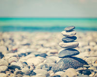 禅宗平衡的石头堆 免版税库存图片