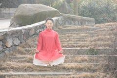 禅宗茶的禅宗凝思这艺术性的构想 图库摄影