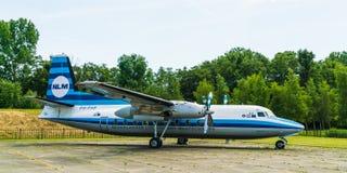 福克战斗机27友谊NLM Cityhopper飞机被显示在Aviodrome飞机博物馆 免版税库存图片