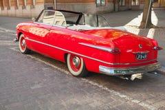 福特习惯豪华托特1951年汽车,后面看法 库存照片
