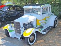 福特五窗口小轿车 免版税库存照片