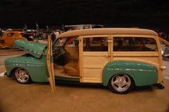 1946年福特伍迪习惯标尺无盖货车 库存照片