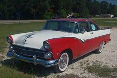 1955年福特冠维多利亚 免版税库存照片