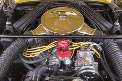 福特在显示的猎鹰1965年引擎 免版税库存照片