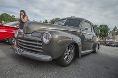 1946年福特小轿车 库存照片