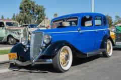 福特模型40在显示的730 De Luxe Fordor轿车1934年 免版税库存图片