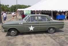 1964年福特猎鹰美国陆军汽车 免版税库存照片
