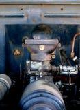 1940年福特霍华德木桶匠消防车扁平头的V-8机舱 免版税库存照片