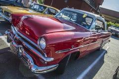1953年福特Crestline 2门Hardtop 库存图片