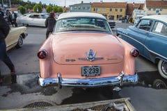 1954年福特Crestline Skyliner小轿车 图库摄影
