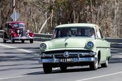 1954年福特Customline轿车 免版税库存照片