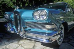1958年福特Edsel在比佛利山,加利福尼亚 免版税库存图片