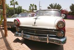 福特Fairlane冠维多利亚小轿车在利马 库存图片