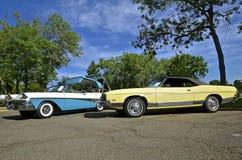 福特Fairlane和星系500经典汽车 库存照片