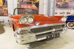 1958年福特Fairlane 免版税库存照片