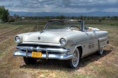 1953年福特Sunliner敞篷车开路车 库存照片