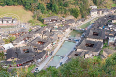 福建,中国- 2016年1月02日:Tianloukeng的Tulou Taxia村庄 图库摄影