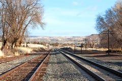 离开俄勒冈铁路轨道的网关 免版税库存图片