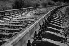 离开入距离的半被放弃的铁路 ?? 图库摄影
