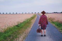 离开在家,走旅客的行家在路,夏天旅行 免版税库存照片