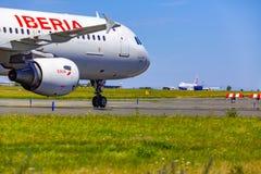 离开在瓦茨拉夫Havel机场,布拉格,中华航空公司货物B 图库摄影