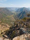 离开在Steens山的谷,俄勒冈 免版税图库摄影