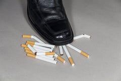 离开抽烟 免版税库存图片