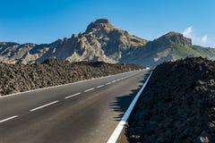 离开的山路 免版税库存图片