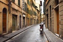 离开的街道在佛罗伦萨 免版税库存照片