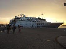 秀丽、历史、船和人们,旅行,familly,室外,爱,乐趣,小船 免版税库存照片