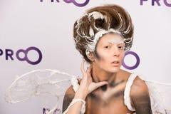 秀丽与构成的时装模特儿 免版税库存照片
