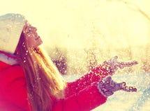 秀丽冬天女孩 库存图片
