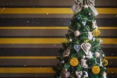 秀丽圣诞节和新年树 库存照片