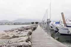 秀丽在日内瓦湖乘快艇在日内瓦, 2013年10月8日 库存照片