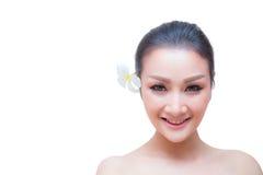 秀丽妇女面孔画象 有perfec的美丽的温泉模型女孩 免版税库存照片