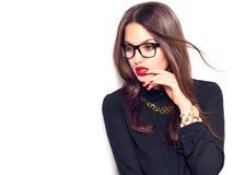 秀丽性感的时装模特儿女孩佩带的玻璃 免版税库存图片
