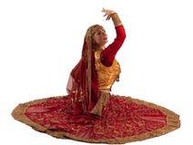 秀丽服装女孩印第安摆在 免版税库存照片