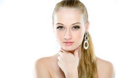 秀丽查出的纵向白色 在空白背景 完善的新鲜的皮肤特写镜头 背景查出的白色 纯净的秀丽模型 青年时期和皮肤 库存照片